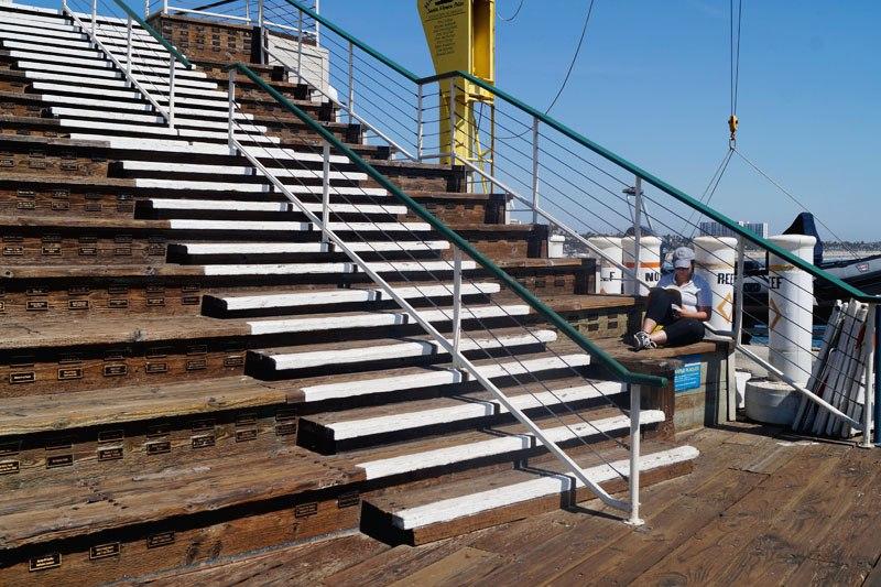 Лестница с именами