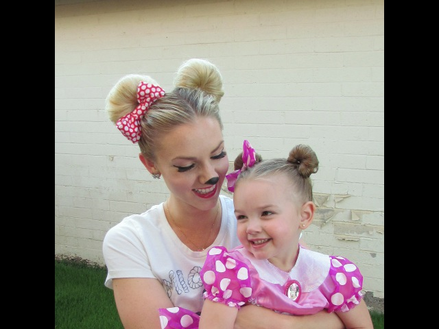 How to: Minnie Mouse Hair for Halloween and/or Disneyland (Disney)
