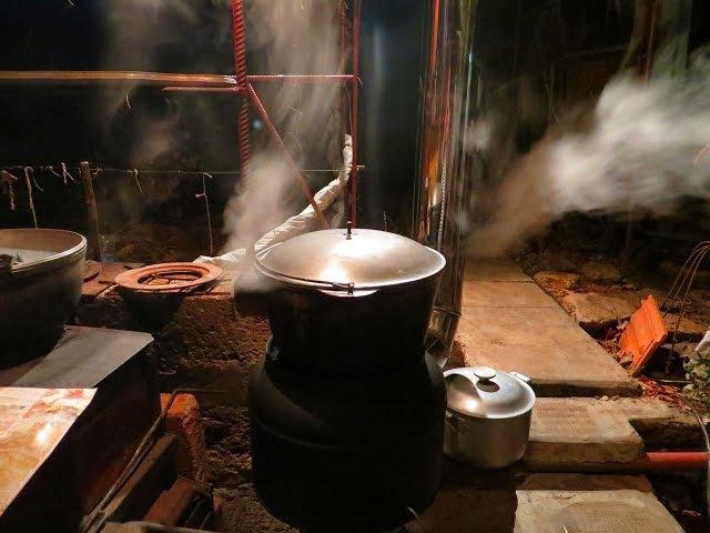 Варочная ракетная печь =КUZMINKA= с дымоходом( часть 2)( ROCKET STOVE)