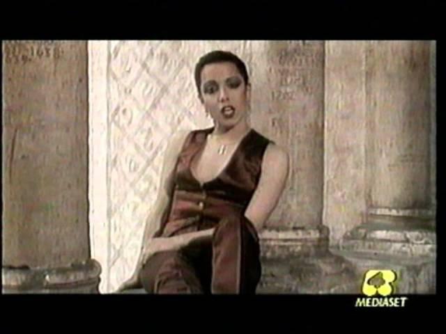 Antonella ruggiero - inafferrabile antonella sospesa controvento (1999)