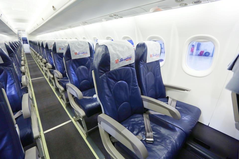 Пассажирский самолет, вылетевший из Якутска в Хабаровск, вернулся из-за неполадки