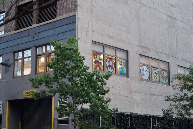Марио на окнах