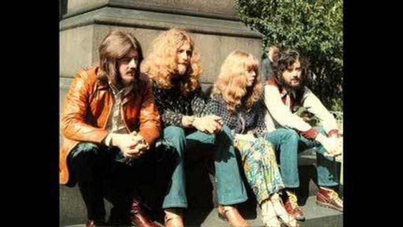 Led Zeppelin offstage... nice moments!(Jennings Farm Blues)