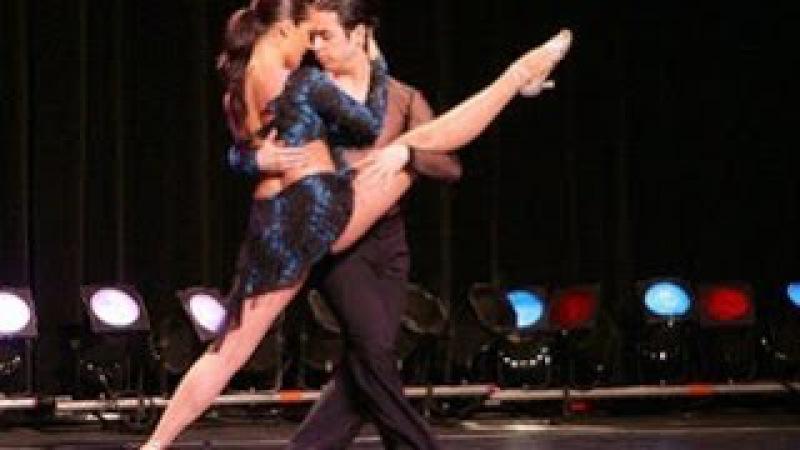 Salsabachata! Сальса очень сексуальный танец !