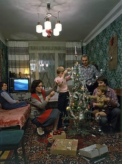04LWNeEqNQ8 - 19 фото о счастливой жизни в СССР