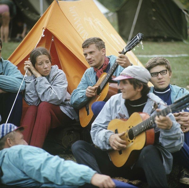 LsTMl74uNcM - 19 фото о счастливой жизни в СССР