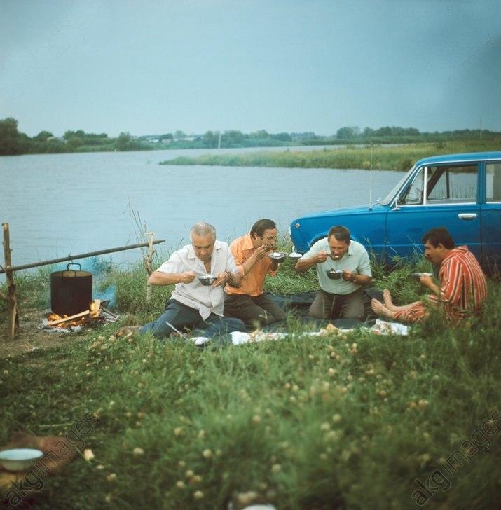 yR0Tz V wfk - 19 фото о счастливой жизни в СССР