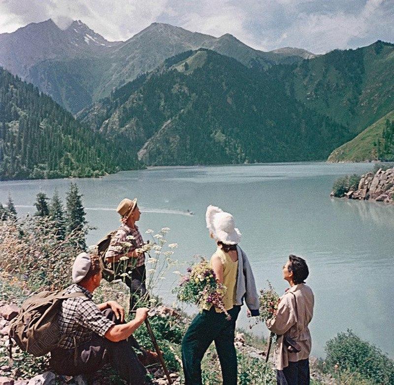 ZqD1w0oOir0 - 19 фото о счастливой жизни в СССР