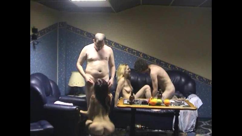 вызвали проституткув сауну и сняли на камеру