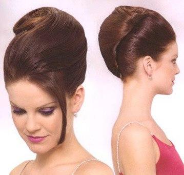 Как сделать классическую прическу на длинные волосы