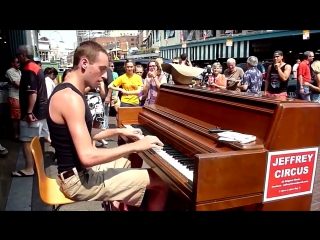 Crazy Good Street Performer - Amazing Piano Busker