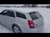 Как правильно чистить автомобиль от снега (6 sec)