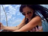Солнце тонуло в море, шли облака на юг)))Мы одни на Яхтеее)))
