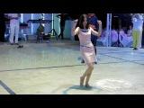 Yasemin; sürmeli (kızlar) zeybeğini oynuyor. Ege kadını olmak böyle bir şey - Dailymotion video