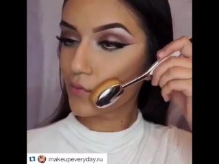 Крутая кисть для макияжа