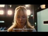 «Старая женщина, которая всё ещё выглядит очень молодой и сочной» с русскими субтитрами