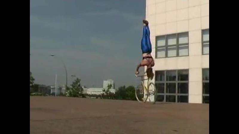 Fixed Gear Bike Tricks by Ines Brunn on an Artistic Bicycle