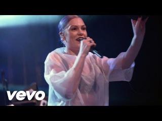 Jessie J - Do It Like A Dude (Live @ Volkswagen Garage Sound)