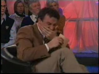 Ведущий не может сдержать смех:)