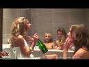 Студенческая порно вечеринка пьяных русских лесбиянок в ванной