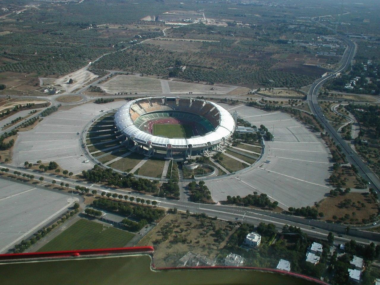 Стадион Сан-Никола (Stadio San Nicola). Бари, Италия.