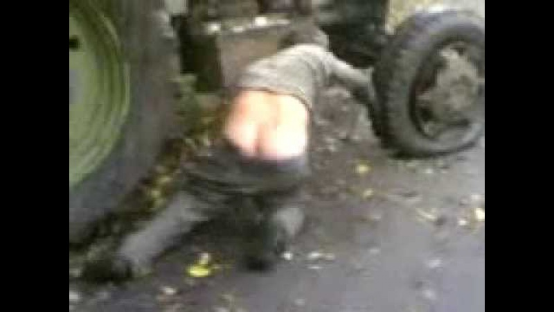 Мужик упал с трактора, живой хахаха новый Прикол башорг
