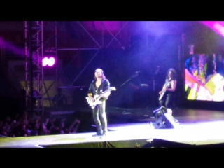 Шикарная игра на гитаре, концерт Скорпионс 2015!