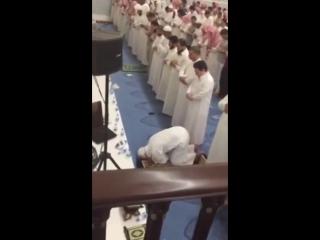Джин-шайтан мучается во время чтения Корана. Экзорцизм.