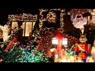 Как американцы украшают свои дома к Christmas