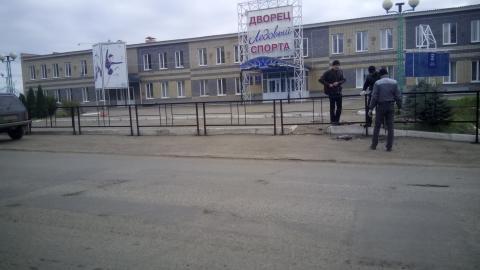 Житель Чистополя пожаловался на новый забор у Ледового дворца, ограничивающий доступ инвалидам