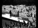 Bambini delle scuole di Roma eseguono canti patriottici alla presenza di Mussolini
