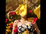 #HappyInternationalWomensDay ! Shoutout to Flowers💐#Ryangosling 👱🏼Tampons🔴& Food 🌭😘 Arantza, Lele Pons, Alissa Violet, 🎥Max Goodrich