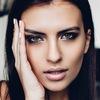 Make up artist Alena Feyst