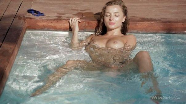Splash With Me – Alyssa A