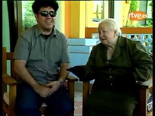 Pedro Almodóvar con su madre