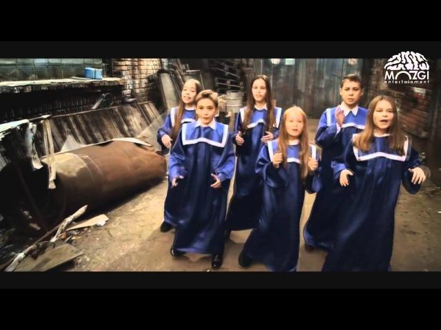Open Kids в клипе Время И Стекло Кафель Лера Дидковская Юля Гамалий Аня Бобровская