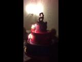 Доча вынос торта 14.11.2015 на день рождения Вероники 6 лет.