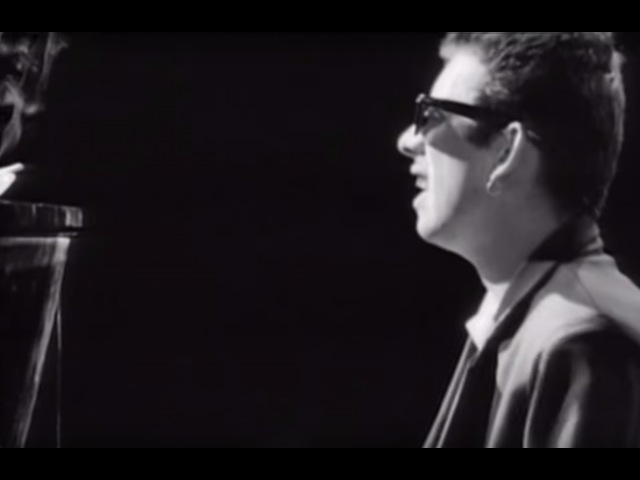 The Pogues - Fairytale Of New York (Official Video)