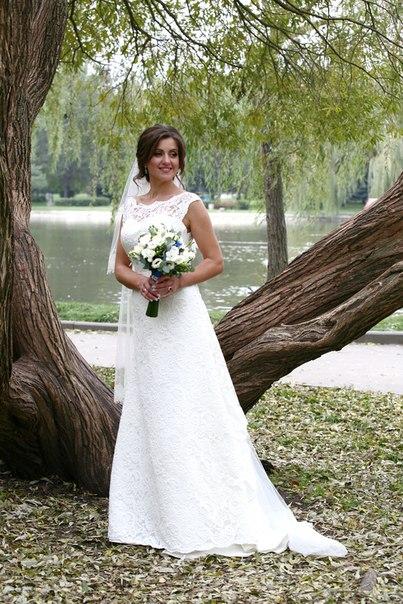 Продам весільну сукню з якісного