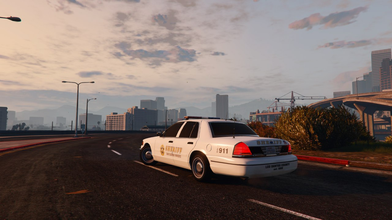 1999 Ford Crown Victoria Police v1.2 для GTA V - Скриншот 3