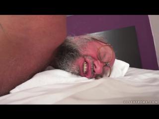 Дед выебал 18-летнюю и кончил в неё после массажа простаты [xxx,порно и секс] 18