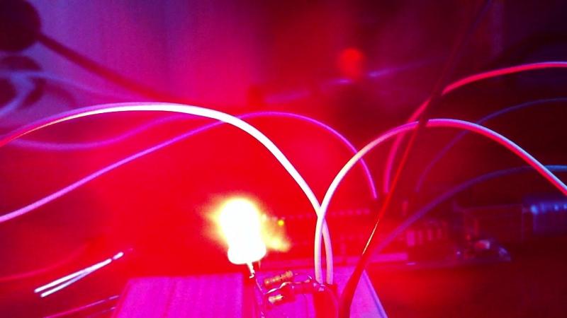 Мигание трехцветного светодиода на Arduino