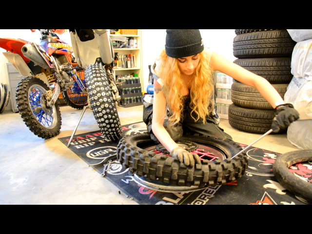 Saaraazh Tutorial - How To Change A Motorcycle/MX Tire