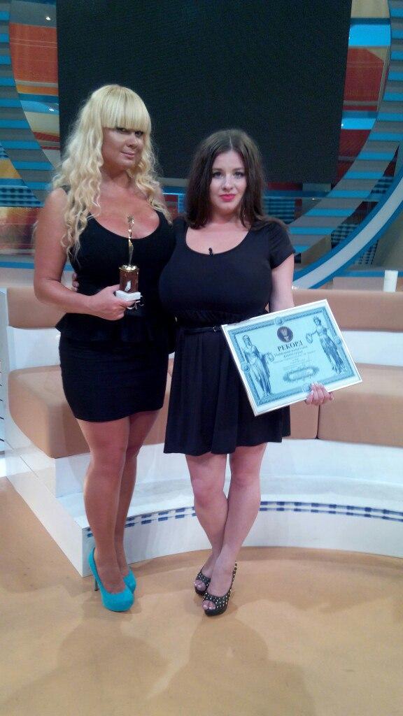 Вінничанка встановила рекорд України з найбільшого розміру натуральних грудей (фото), фото-3