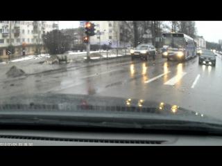 Авария перекресток Псковская 8 - Белова. 31.01.2016 10:30