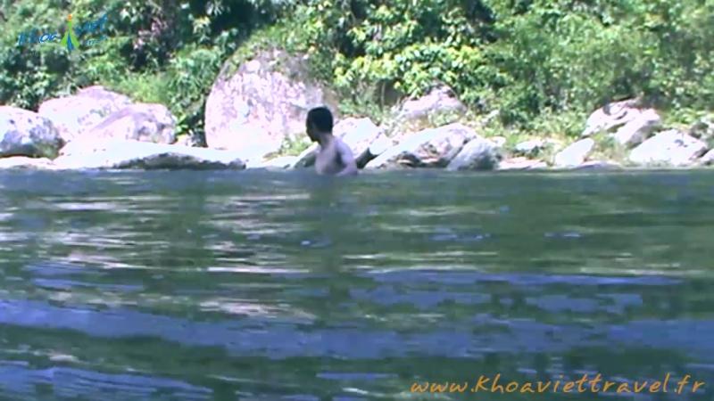 Nager sur le flux de Thon Tha - Ha Giang