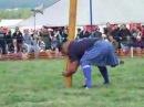 Шотландское соревнование по метанию бревна