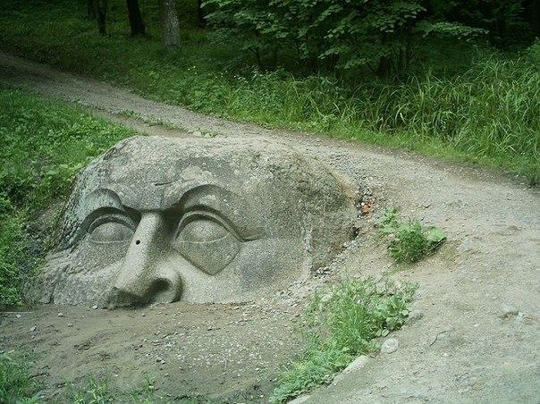 каменная голова сергиевка