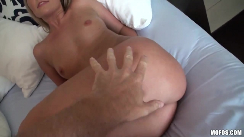Megan Gets very Wet Megan Sweetz [Young Pov Blowjob Blonde - Softcore Porn HD]