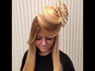 прическа с шляпкой из волос